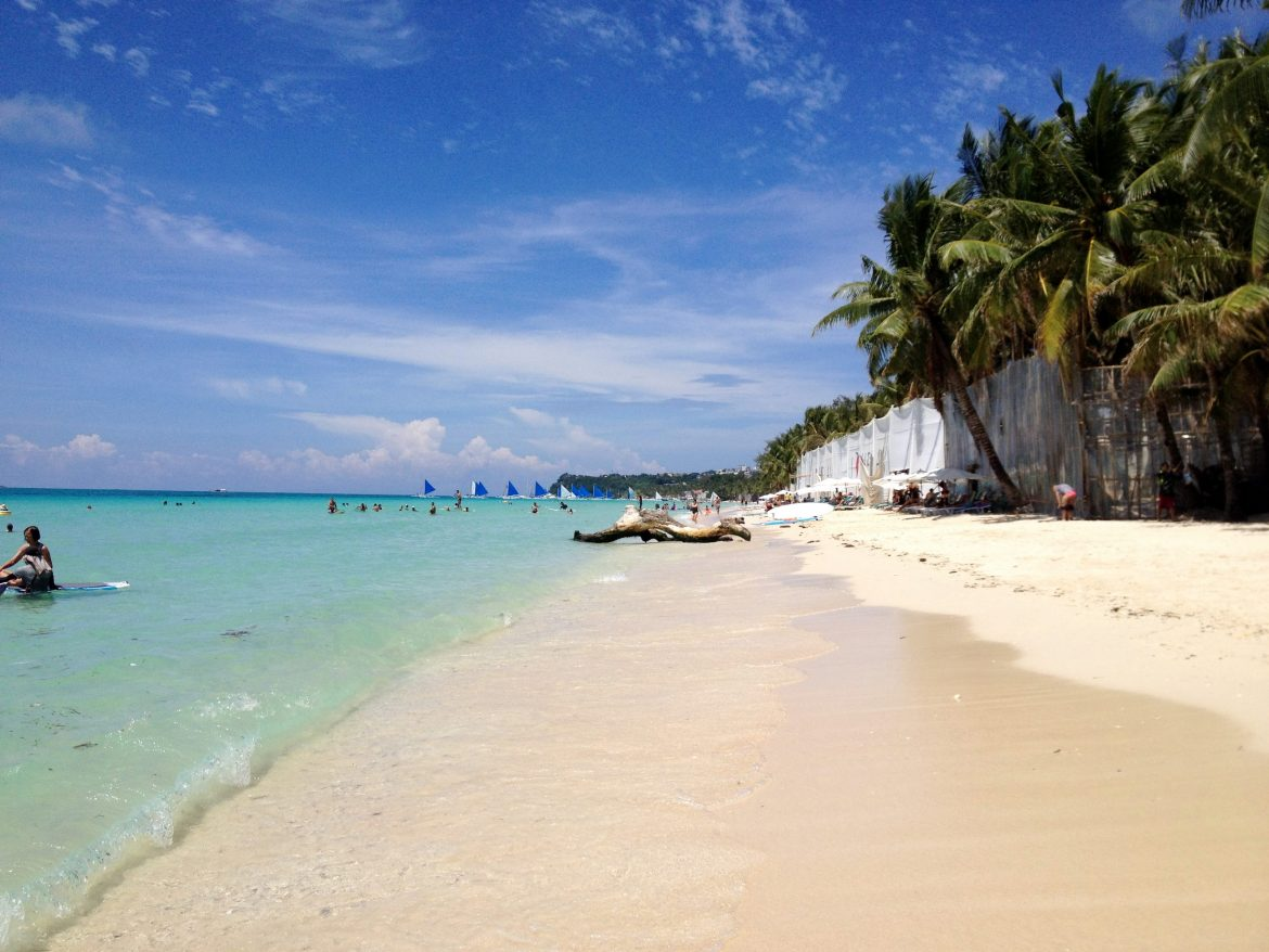 giving the philippines a second chance and visiting Boracay