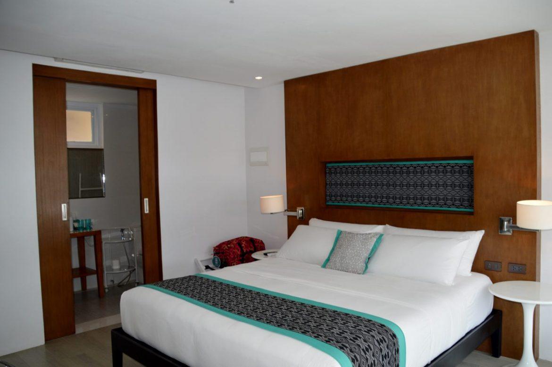 Hotel Review of Coast Hotel Boracay - the Room