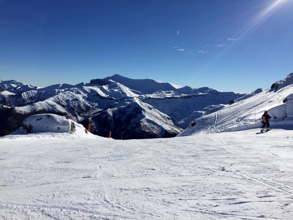 What to do in Nice in winter? Head to Auron Ski Resort ©Jean Marc Damette