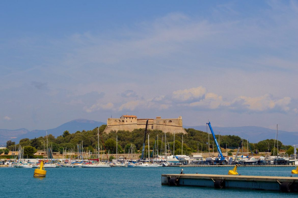 Day trip to Antibes from Nice in winter