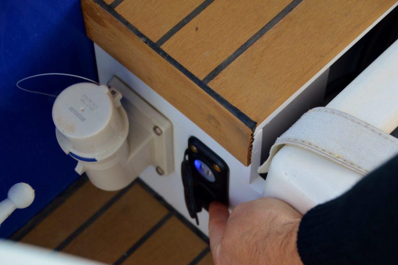 Electric plugs on the seaZen